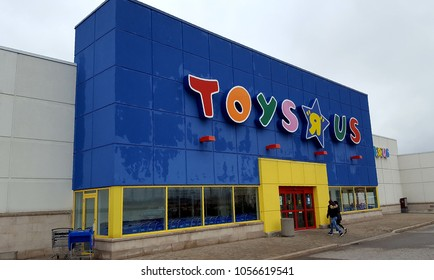 RICHMOND HILL, CANADA - MARCH 28, 2018: A Toys'R'Us store in Canada.