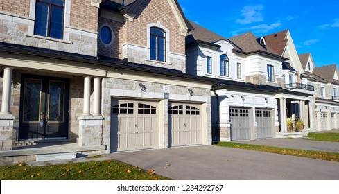 RICHMOND HILL, CANADA - NOVEMBER 13, 2018: Detached homes in the Toronto suburbs.