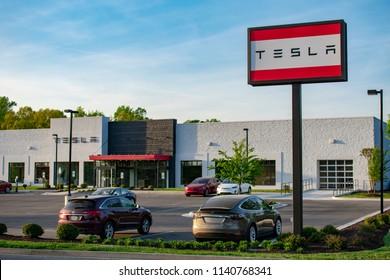 Richmond, VA/USA-May 7 2018:Near empty parking lot at a Tesla dealership