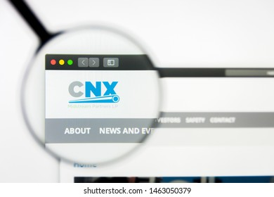Richmond, Virginia, USA - 27 July 2019: Illustrative Editorial of CNX Midstream Partners LP website homepage. CNX Midstream Partners LP logo visible on display screen.