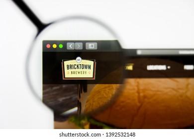 Richmond, Virginia, USA - 8 May 2019: Illustrative Editorial of Bricktown Brewery Restaurants Llc website homepage. Bricktown Brewery Restaurants Llc logo visible on display screen.