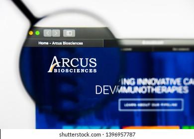 Richmond, Virginia, USA - 9 May 2019: Illustrative Editorial of Arcus Biosciences Inc website homepage. Arcus Biosciences Inc logo visible on display screen.