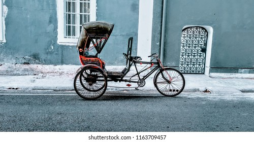A rickshaw in the streets of french colony in the Union territory of Pondicherry (Puducherry), India
