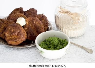 Sachets de Ricotta au pesto d'ail de l'ours avec psyllium, fromage et graines de tournesol
