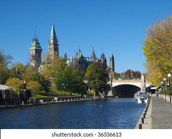 Rideau canal and Canadian parliament