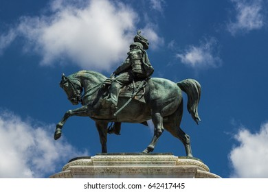 Rider on horseback  Il Monumento nazionale a Vittorio Emanuele II