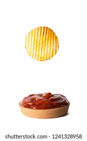 ridge cut chips with tomato dip