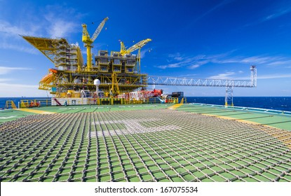 rig in the gulf of thailand