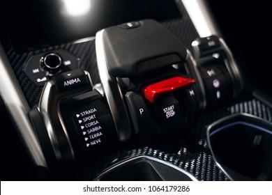 Lamborghini Urus Images, Stock Photos & Vectors | Shutterstock