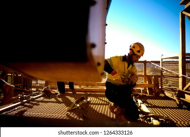 Imágenes, fotos de stock y vectores sobre Rigger | Shutterstock