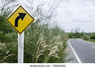 Right curved and Road