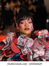 Rihanna attends the 2017 Metropolitan Museum of Art Costume Institute Gala at the Metropolitan Museum of Art in New York, NY on May 1st, 2017