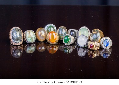 Ring Agate Jewelry with black background