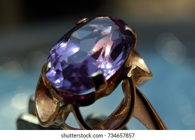 The ring with alexandrite