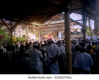 Ringdikit Village, Buleleng Regency, Bali/Indonesia - July 12 2018: The Atmosphere Of The Final Stage Of The Ngenteg Linggih Ceremony At Ringdikit Village