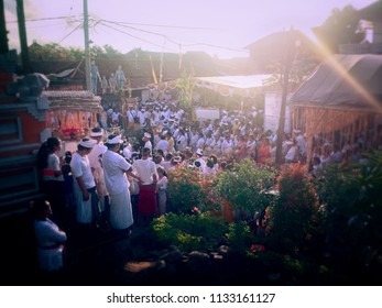 Ringdikit Village, Buleleng Regency, Bali/Indonesia - July 12 2018: The Atmosphere Of The Crowd In The Big Ngeteg Lingggih Ceremony At Ringdikit Village