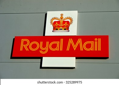 RINGWOOD, HAMPSHIRE, UK - November 3, 2006 - A Royal Mail Sign on the side of a building