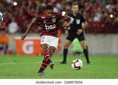 Rio de Janeiro, Brazil, April 11, 2019. Football player Vitinho of the Flamengo team, during the Flamengo vs. San José game for the Libertadores Cup at the Maracanã stadium.