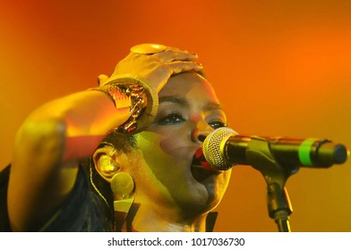 Rio de Janeiro, Brazil, August 27, 2011. Singer Lauryn Hill, during her show at the Back2Black Festival at Leopoldina Station in the city of Rio de Janeiro