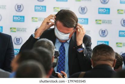 Rio de Janeiro, Brazil  August 14,  2020  Brazilian president Jair Bolsonaro wears a mask during a ceremony.