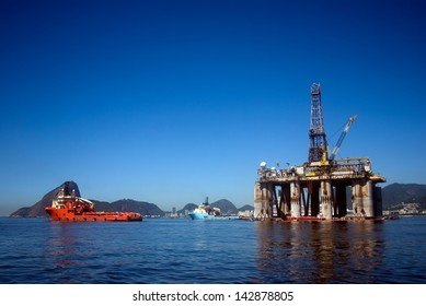 RIO DE JANEIRO, BRAZIL - FEBRUARY 4 : Oil platform Guanabara Bay at 4 February 2013, Rio de Janeiro, Brazil. Brazil is one of the biggest oil exporter in South America.