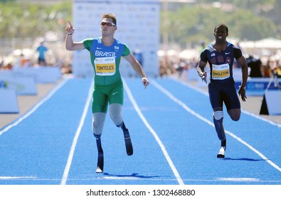 Rio de Janeiro, Brazil, March 29, 2013. Paralympic Athletics Athlete Alan Fonteles during the race of the fast track race at Copacabana beach in the city of Rio de Janeiro