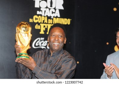 Rio de Janeiro - Brazil May 25, 2014, the world's greatest footballer Pelé, speaks to the press about the importance of winning the World Cup Cup