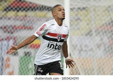 Rio de Janeiro, Brazil, November 11, 2020. Soccer player Brenner from the São Paulo team celebrates his goal during the Flamengo vs São Paulo game for the Brazil Cup at the Maracanã stadium.