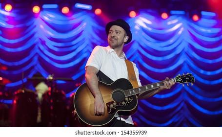 RIO DE JANEIRO, BRAZIL - SEPTEMBER 15: American singer Justin Timberlake performs during the Rock in Rio 2013 concert on September 15, 2013 in Rio de Janeiro, Brazil.