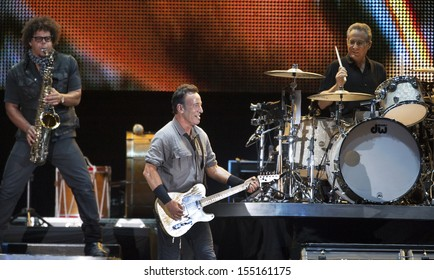 RIO DE JANEIRO, BRAZIL - SEPTEMBER  21:  US singer Bruce Springsteen perform with the E Street Band during the Rock in Rio 2013 concert , on September 21, 2013 in Rio de Janeiro, Brazil.
