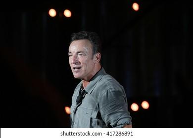 RIO DE JANEIRO, BRAZIL - SEPTEMBER 15: Singer Bruce Springsteen performs during the Rock in Rio Festival in Rio de Janeiro