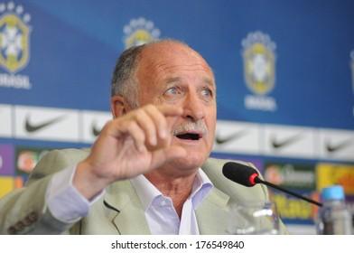 RIO DE JANEIRO, FEBRUARY 11, 2014 : Technical selection Brazilian football coach (LUIZ FELIPE SCOLARE) in a press conference.