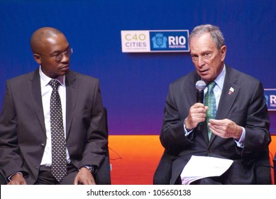 RIO DE JANEIRO - JUNE 19, Mayors: Mpho Franklyn Tau of Johanesburg and  Michael Bloomberg of New York at the Event Humanidade 2012. June 19, 2012 Rio de janeiro, Brazil