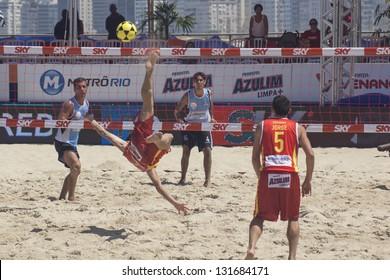 RIO DE JANEIRO - MARCH 09: Game of the teams Spain and Argentina,. Event Mundial de Futevolei 4 X 4 2013,  March 09, 2013 in Rio de Janeiro, Brazil