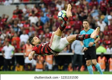 Rio de Janeiro, November 15, 2018. Football player Diego do Flamengo, during the Flamengo vs. Santos match for the Brazilian championship at the Maracanã stadium.