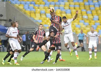 RIO DE JANEIRO - NOVEMBER 17: Edson Silva during Brazilian Champioship, Fluminense vs Sao Paulo, in the stadium Maracana on november 17, 2013 in Rio de Janeiro, Brazil.