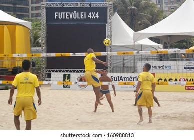 RIO DE JANEIRO - OCT 25: futevolei players fron the team Distrito Federal training at the event I BRASILEIRO DE FUTEVOLEI 4x4 in Rio de Janeiro. October 25, 2013 in Rio de Janeiro, Brazil