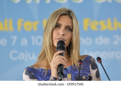 RIO DE JANEIRO, RJ /BRAZIL - MAY 20:  Fernanda Lima officially launched the Football For Hope Festival 2014 at the Mane Garrincha Olympic Village on may 20, 2014