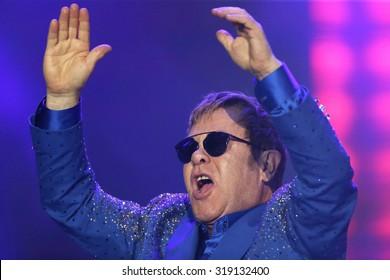 Rio de Janeiro, September, 20th,2015- British singer Rod Stwart performs during the Rock in Rio concert.   Foto Antonio Scorza/  Agencia O Globo