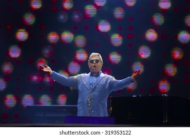 Rio de Janeiro, September, 20th,2015- British singer Elton John performs during the Rock in Rio concert.   Foto Antonio Scorza/  Agencia O Globo