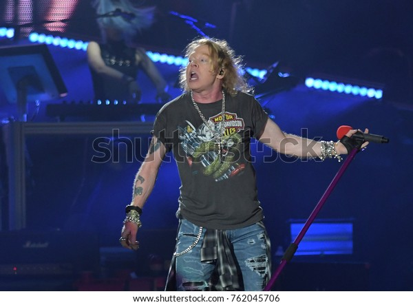 Rio de Janeiro, September 24, 2017. Singer Axl Rose from the band Guns N 'Roses, during her show at Rock in Rio 2017 in the city of Rio de Janeiro, Brazil.