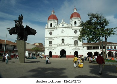 Rionegro, Antioquia, Colombia: April 12 of 2005, Church in principal park