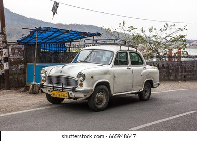 Old Indian Car Images Stock Photos Vectors Shutterstock