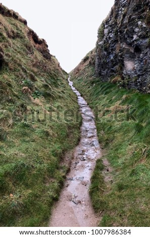 Rising path in gorge