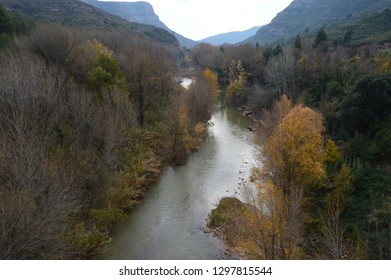 river between mountains