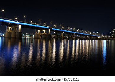 river Bridge by night