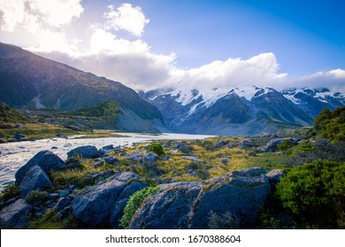 river in the hooker valley