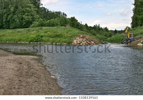 The river Morava receives a modified, smaller tributary.