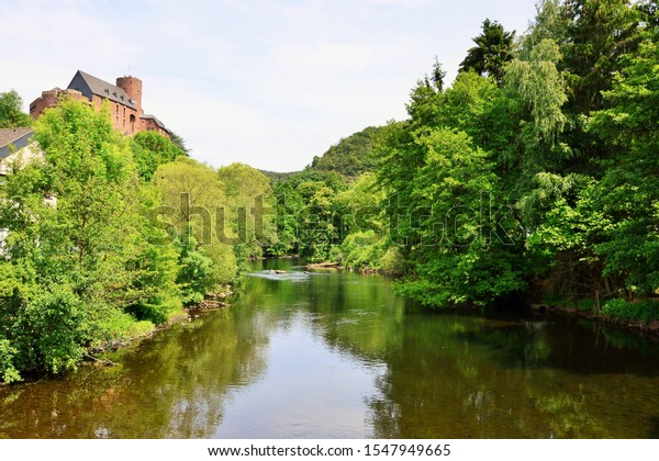 river-old-castle-on-hill-600w-1547949665