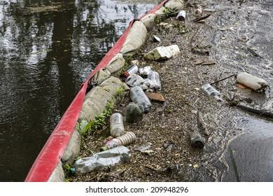 River rescue - dam trash
